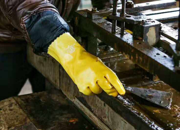 黄浸塑手套